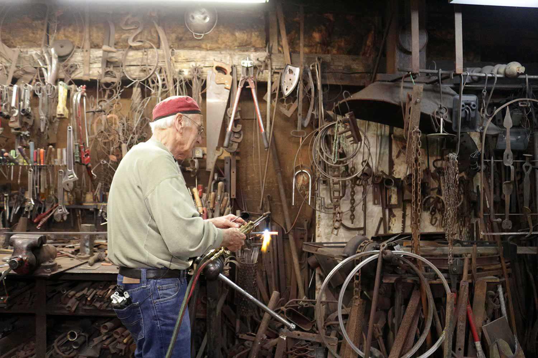 Andreas Drenters dans son atelier