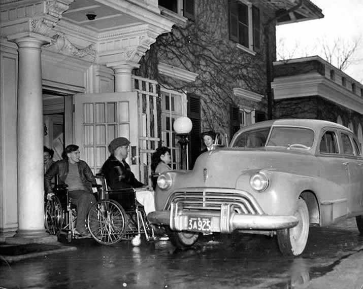 Le centre de réadaptation communautaire Lyndhurst Lodge a été créé pour aider les anciens combattants canadiens qui avaient subi des traumatismes médullaires pendant la Seconde Guerre mondiale. Photo gracieusement fournie par Lésions médullaires Ontario.