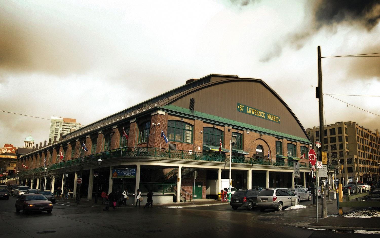 Le marché St. Lawrence de Toronto a récemment été désigné comme le premier marché alimentaire du monde par National Geographic. (Photo de Flickr : Keith Attard)