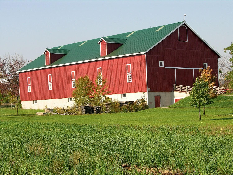 La grange Elliott-Harrop est un des nombreux bâtiments à visiter au Country Heritage Park.