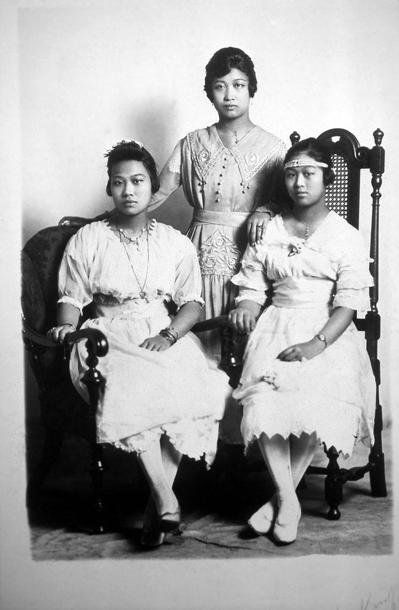 Des tantes de ma famille, vers 1915 (Photo gracieusement fournie par Paul Yee)